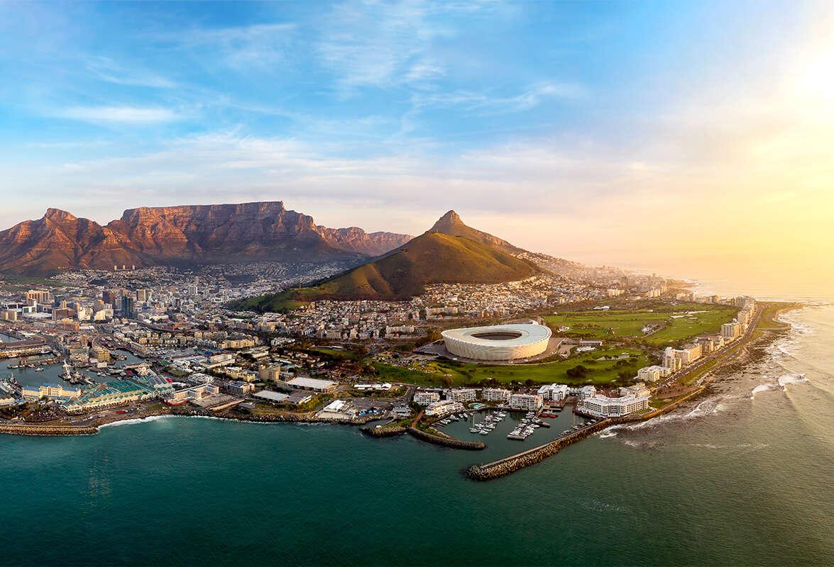 אהבה בשחקים: 1+1 על טיסות לאפריקה