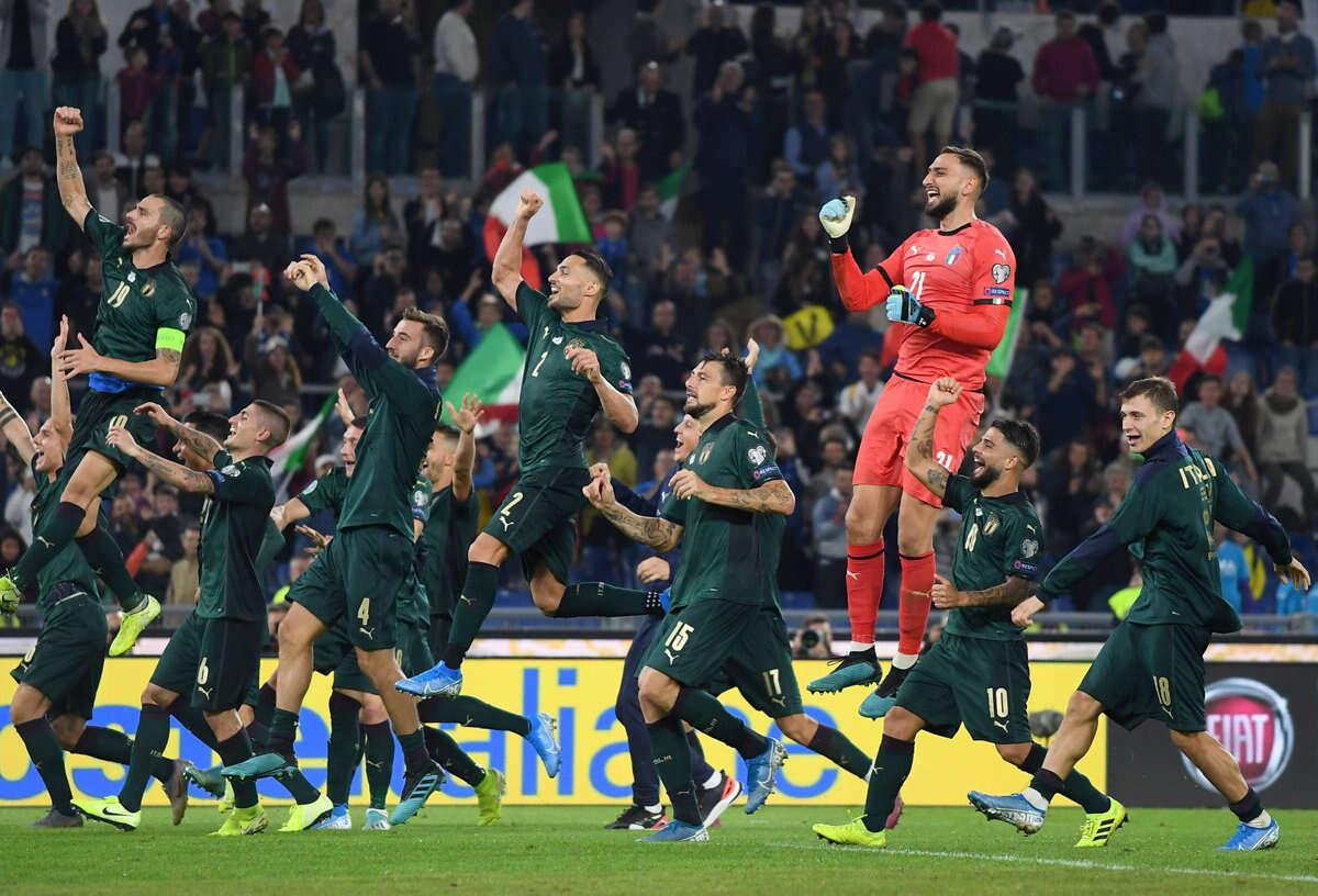 """איטליה חוגגת: """"השנים המעליבות מאחורינו"""""""