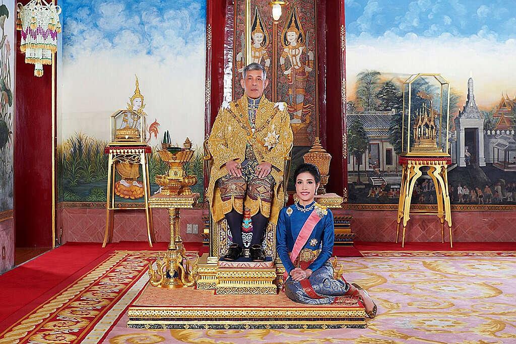 תאילנד: פילגשו של המלך גורשה מהארמון