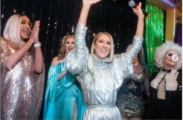 מלכת הפאשניסטות: סלין דיון רותחת