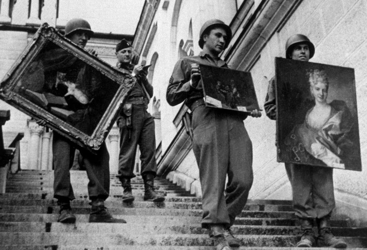 גרמניה: מכירה פומבית לחפציו של היטלר ובכירים נאציים נוספים
