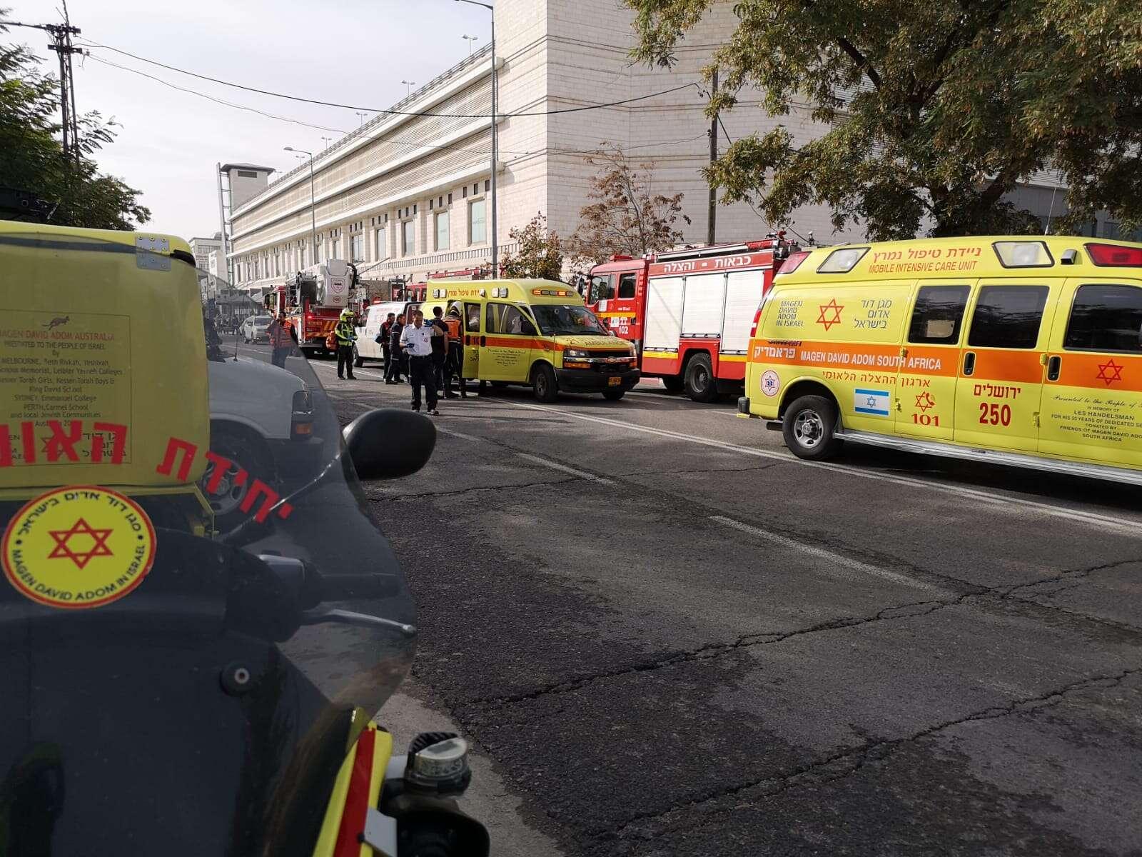 פצוע קשה בשריפה בשכונת תלפיות בירושלים