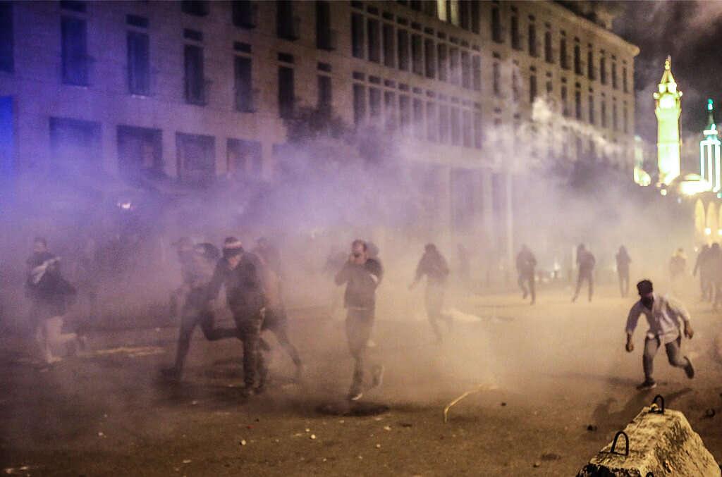 דיווח: 25 פצועים בהפגנות בביירות
