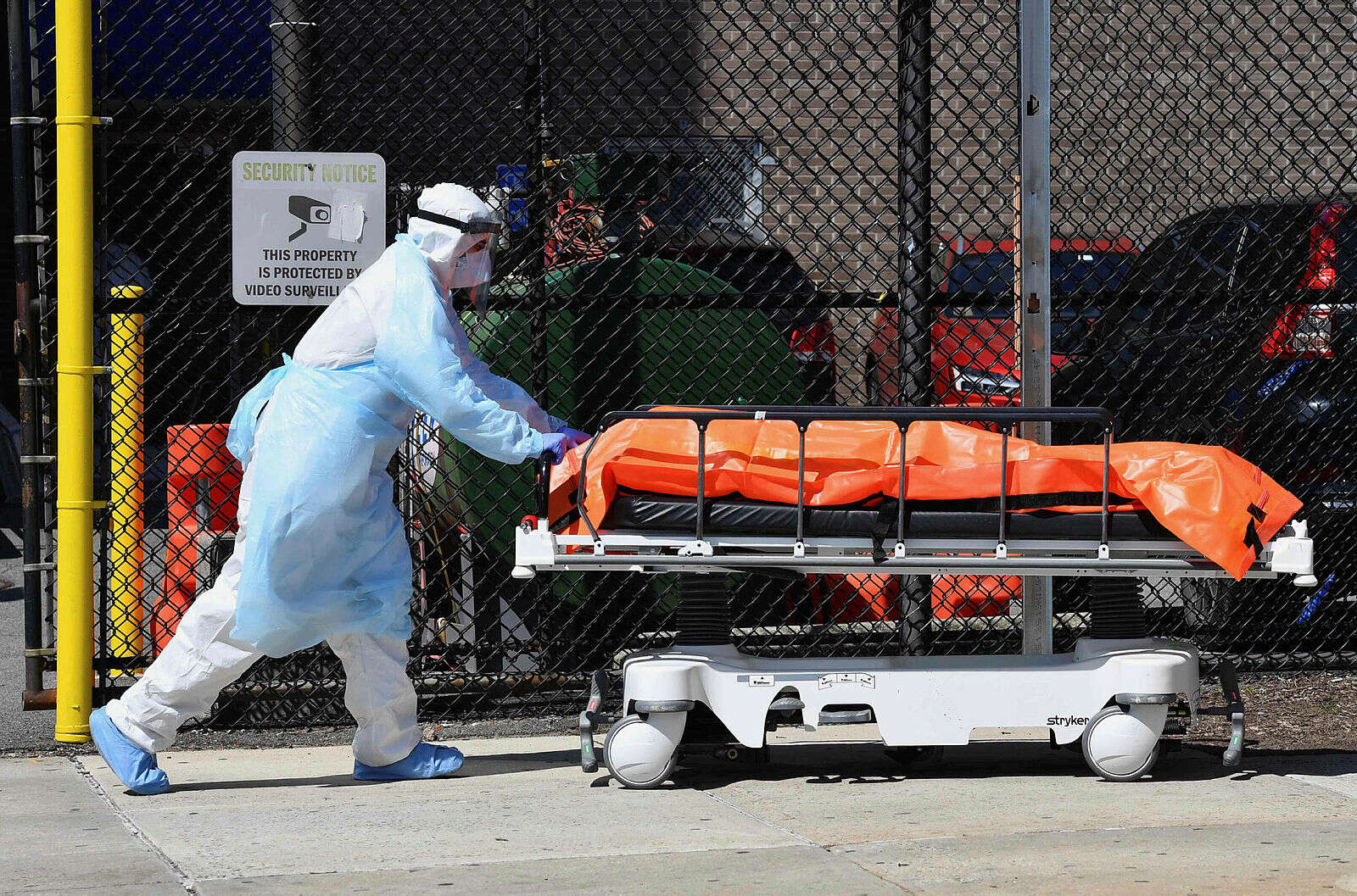 מכת קורונה בניו יורק: 630 מתים ביממה