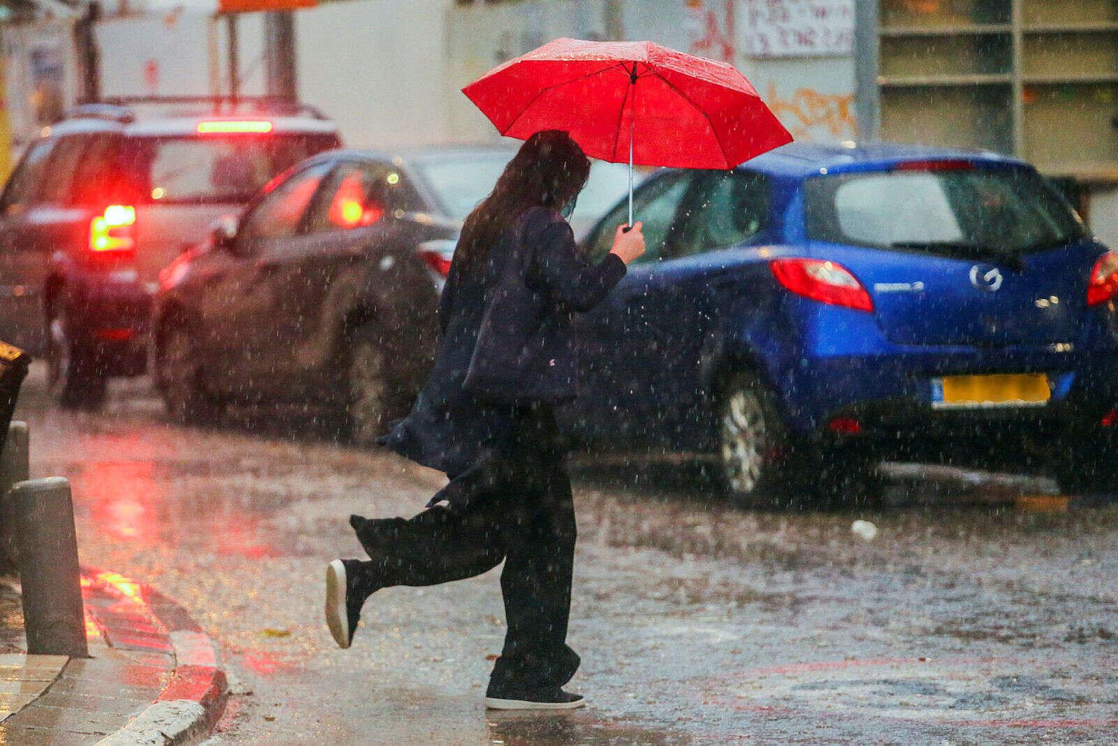 התחזית: גשם מקומי במישור החוף