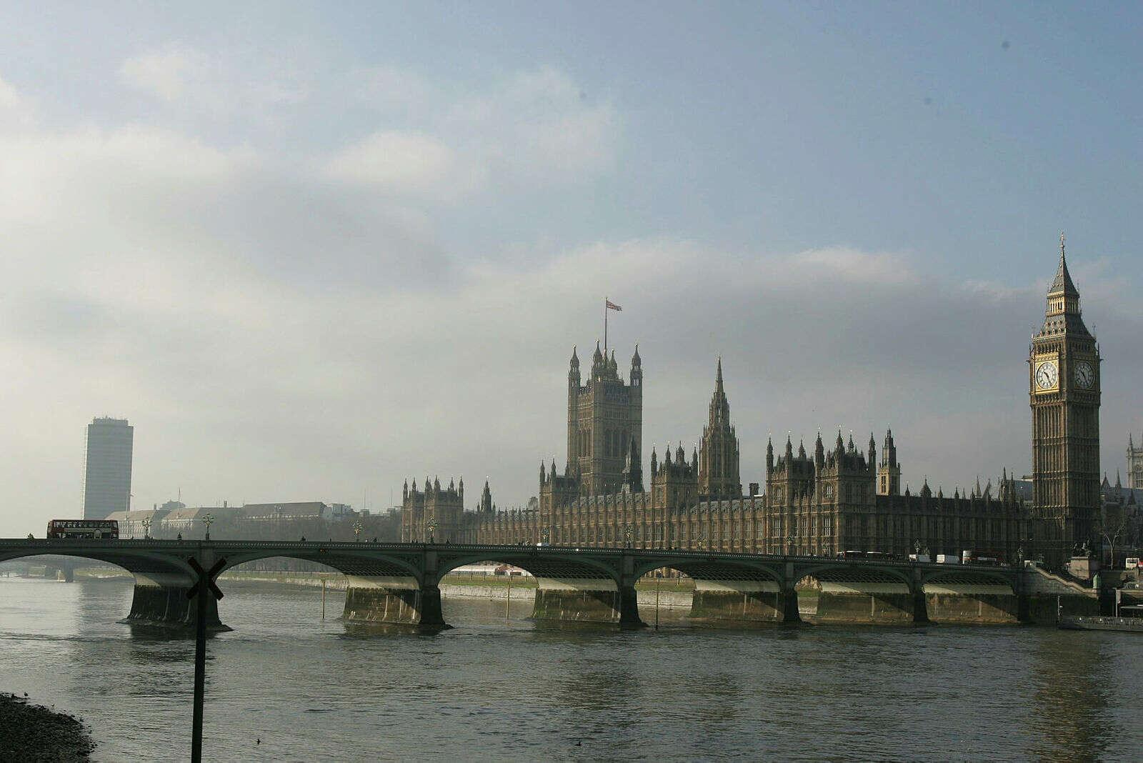לונדון יוצאת מהסגר – ומקבלת ישראלים