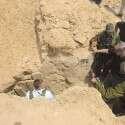 """רה""""מ נתניהו ושר הביטחון לשעבר יעלון בסיור במנהרת חמאס במארס 2016 // צילום: עמוס בן גרשום-לע""""מ"""