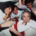 """פרס במטוס רה""""מ בדרך לחתימת הסכם אוסלו, 1993 // צילום: גדעון מרקוביץ"""