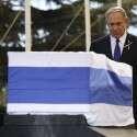נתניהו חולק כבוד אחרון לנשיא התשיעי פרס // צילום: אי.פי