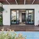 בית משפחתי ומודרני  בעיצובה של שירלי דן // צילום: גלעד רדט