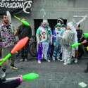 אימה שחורגת מהריאליזם. אמני רחוב מפגינים בבואנוס איירס על אי־הסדרת מעמדם בחוק