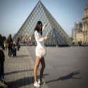 תיירת בפריז // צילום: איי.אף.פי.