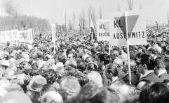 ההישג נגד הקומוניזם נפגם בגלל רדיפת היהודים. טקס במחנה אושוויץ־בירקנאו ב־1967 / צילום: Getty Images