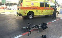 """זירת תאונת אופניים חשמליים בת""""א // צילום: עמי שומן"""