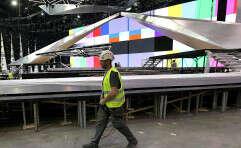 העבודות להקמת במת האירוויזיון בגני התערוכה // צילום: קוקו
