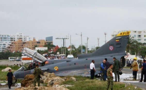 מה ישראל עושה עם מטוסי הקרב הישנים שלה שהיא לא מצליחה למכור בגלל שהאמרקאים גם רוצים למכור את שלהם 124821461579505004a_b_3