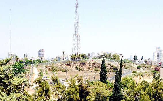 מדהים הישג בגבעתיים: צו התראה לפני סגירה לאנטנת בזק | ישראל היום TI-82