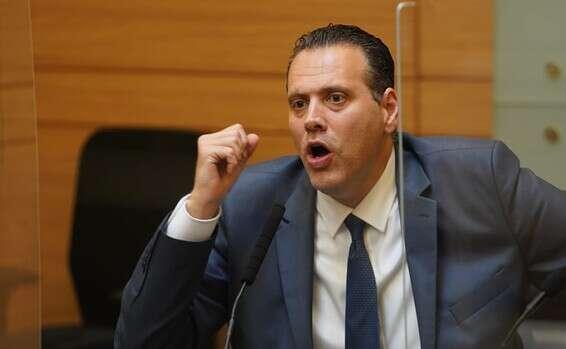 """יו""""ר הוועדה המסדרת מיקי זוהר"""