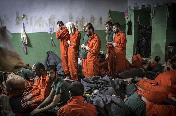 Des membres de l'Etat islamique détenus en Syrie // Photo: AFP