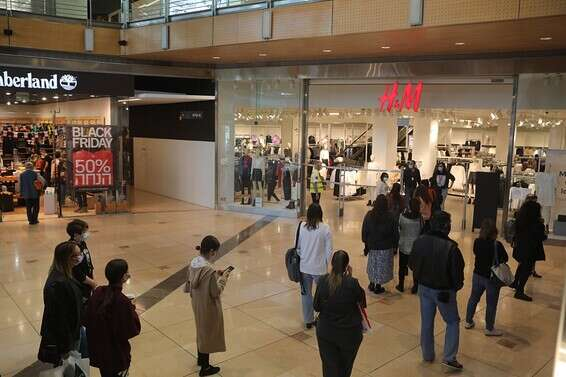 H&M customers at the Seven Stars Mall, this morning