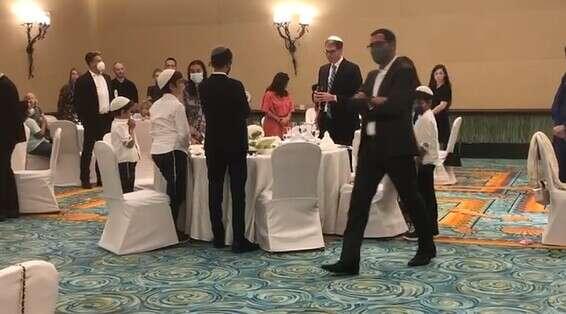 אורחים בסעודת ראש השנה בדובאי