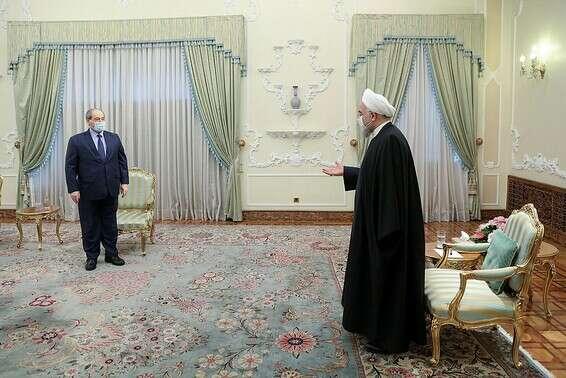 Les pays de la région devront choisir s'ils sont dans le camp du bien. Hassan Rohani avec le ministre syrien des Affaires étrangères, ce mois-ci à Téhéran // Photo: Reuters