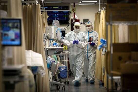 La peste n'est pas encore derrière nous // Photo: Oren Ben Hakon