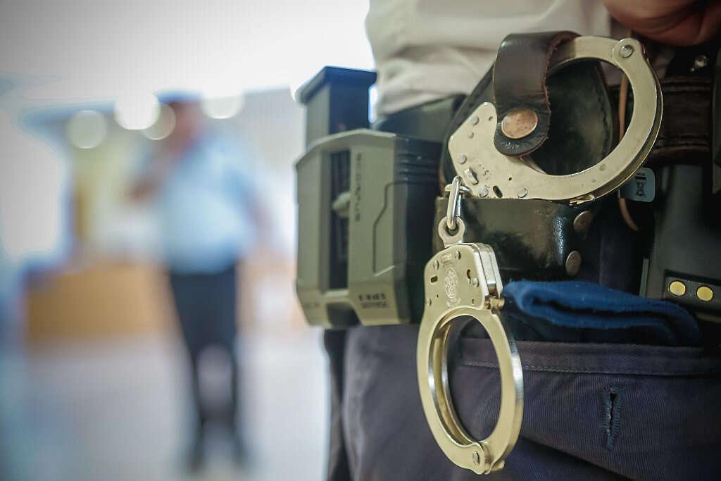 איציק זרחין, שוטר ביחידת המעברים, הורשע בביצוע עבירות מין בשש נשים