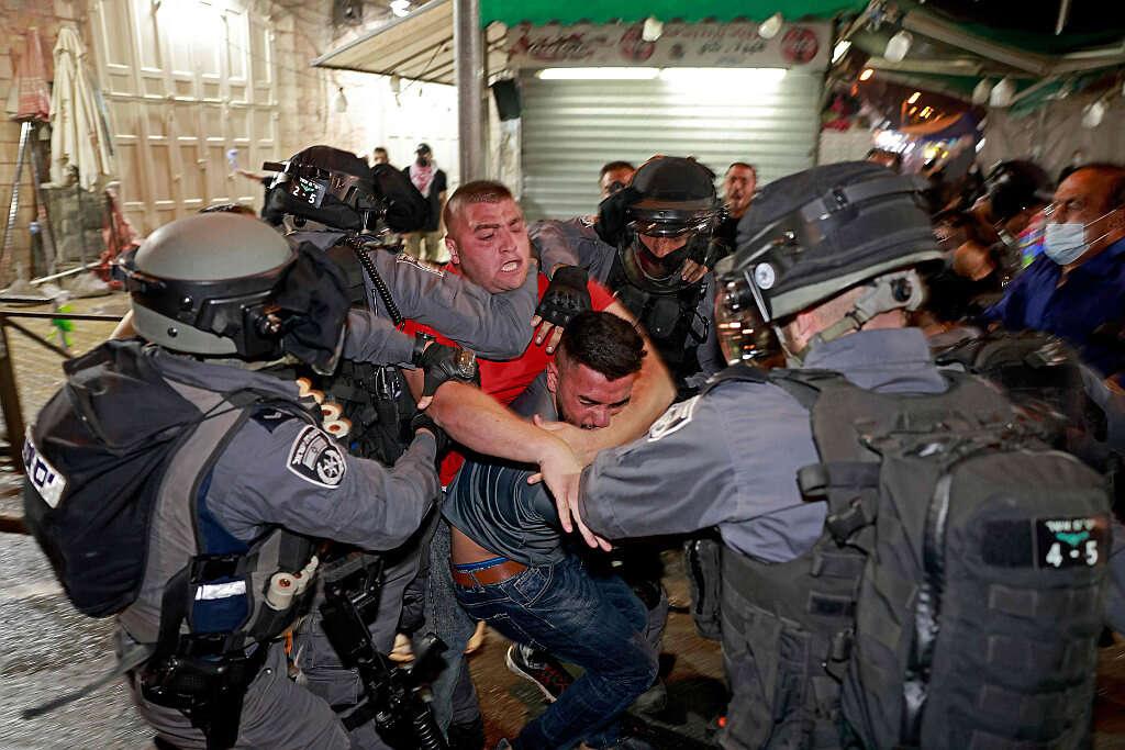 """לקראת חגיגות יום ירושלים: המפכ""""ל החליט שלא לאפשר ליהודים לעלות היום להר הבית"""