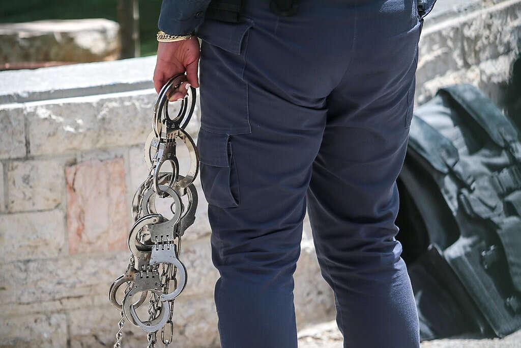תושב תל אביב חשוד בביצוע מעשים מגונים בילדה בת 11