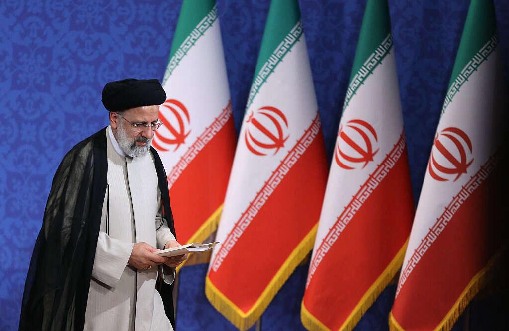 שיחות הגרעין בהמתנה: ראיסי יושבע לנשיא איראן