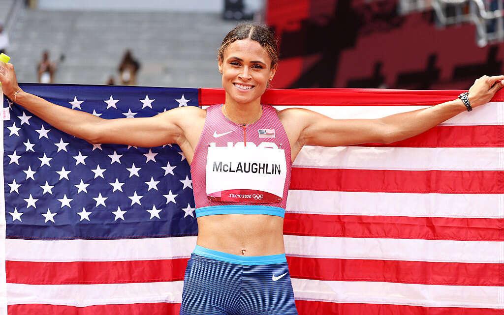 שיא עולם גם בנשים: מקלופלין ניצחה בריצת 400 מ' משוכות עם 51.46 ש'