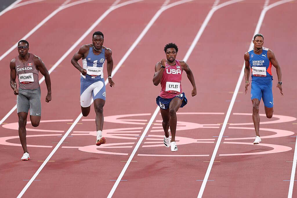 מייד: ליילס ודה גראס בגמר ריצת 200 מטרים לגברים