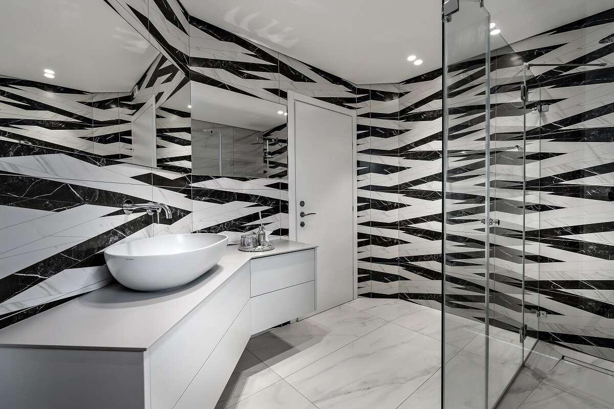 רק בשחור-לבן: בואו לראות את חדרי הרחצה הכי יפים בארץ