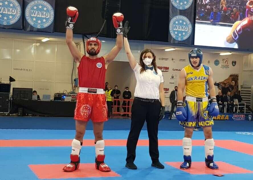 הישג מדהים: אמיר אסעד אלוף העולם בקיקבוקס