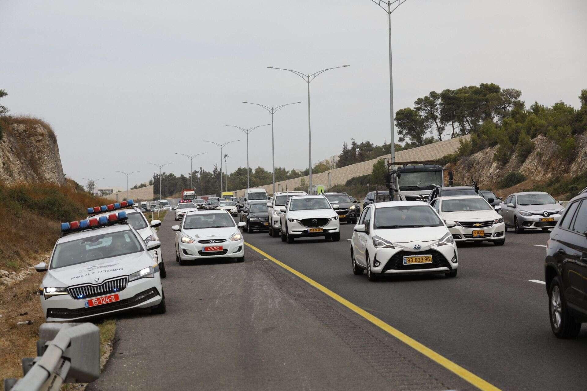 חסמו את כביש 6: שיירת מחאה על האלימות במגזר הערבי יצאה לכיוון ירושלים